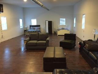 Open Loft Space - Perfect for Large Groups, Chicago