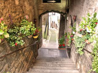 Le Scalette, Todi