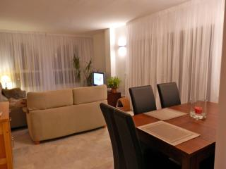 Mijas Costa, Two bed apartment with Pool