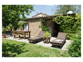 Country Holiday House Cristina with pool, Capranica