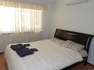 Excellently Located Spacious Ground Flr Apartment, East Victoria Park