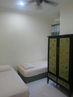 Butterfly room ( 2 single beds ) ( may be rented as room only ) send inquiry to ask for room rate.
