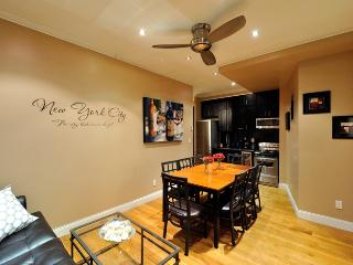 Midtown West 4 bed 2 bath, New York City
