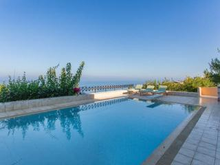 Vravrona villa-poolAegean sea view