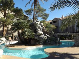 2 Bedroom Condo near Strip, Las Vegas