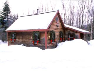 Romantic Cabin:1 Bdrm + Loft, Woodstove, Sleeps 5, Stowe