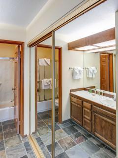 Aspen Creek #215 - 2 Full Bathroom