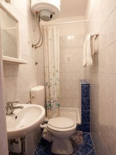 Bathroom inside bedroom 2
