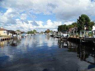 Furnished Private Executive waterfront Home, Port Charlotte