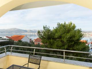 TH01851 Apartments Villa Luna / One bedroom Junior A6, Okrug Gornji