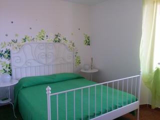 Grazioso appartamento in villetta con giardino, Cala Gonone