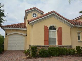 Beautiful well kept vacation home 10 min to Disney