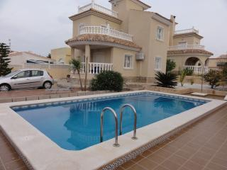 Detached villa with private pool, La Marina