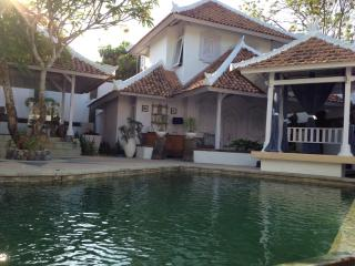 CHARM AND BEAUTIFUL VILLA CLOSE TO SEMINYAK, Kerobokan