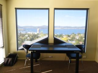 StudioAt10  Luxury apartment, great water views, self-contained privacy