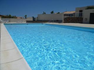 Modern Mediterranean 3 bedroom Villa 2 shared pool