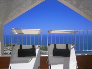 Luxury Duplex Apartment - Sleeps 4 -  A/C -  Wi Fi, Benitachell