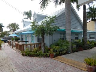 Siesta Key Vacation Rentals/The Cottages at Siesta