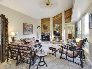 Driftwood Chic in Rockport - Sleeps 4