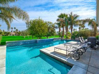 PGA West Luxury Palmer Home-Private Pool & Spa w/Tanning Deck! Built in BBQ Isla