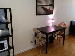 Sunny furnished Arc de Triomphe Studio, Paris