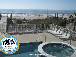 Great Two Bedroom! Right on the Beach!, Gulf Shores