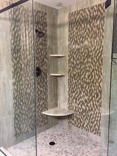 Walk-in shower Bedroom #5