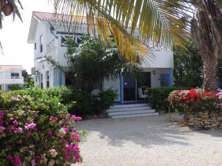 Oceanfront Beach Bungalow: Marazul 6, Westpunt