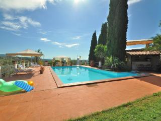 Orsola Country House pool tennis and basket court, Narni