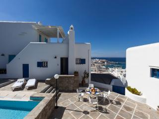 Unique Mykonos Town House with View, 2 Bedrooms