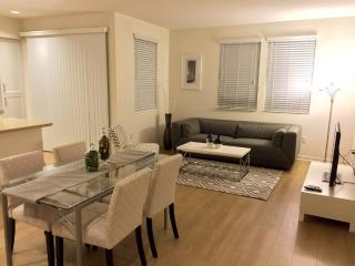 Furnished 1-Bedroom Apartment at N 1st St & River Oaks Pkwy San Jose, San José
