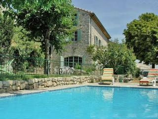 Mas Cibarots piscine privée 12p 6chb belle vue, La Garde-Adhemar