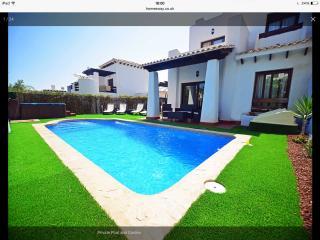 Luxury 3 Bed Villa, Private Pool, Hot Tub and Wifi, Vera