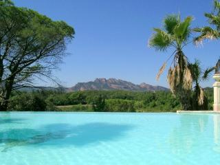Villa Bali studio Toba 4* AIR CO WIFI parkin pool, Roquebrune-sur-Argens