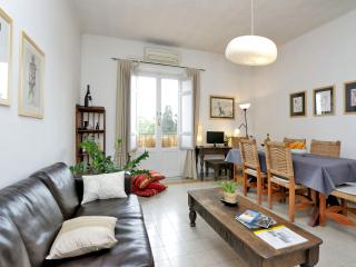 Rome Colosseum Rental with Terrace View - Living