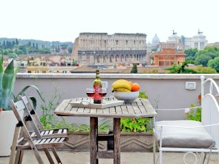 ROME COLOSSEUM RENTAL WITH TERRACE STUNNING VIEW