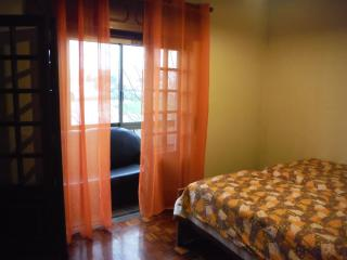 HYH - Room 4 Sunset Orange, Carcavelos