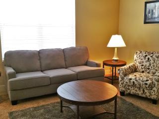 3202 Great 2 BR Suite - Jordan Creek!!, West Des Moines