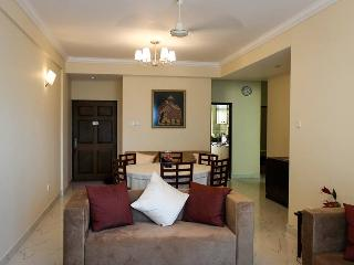 """Nirvana"" Beach Side Apartmant in Mount Lavinia (can sleep 8)"