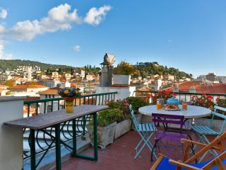 Roof top terrace apartment in the heart of Nice!