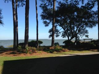 Lagoon & Partial Ocean View, 3 Pools, 1st Floor, Hilton Head