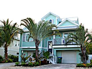 Stunning 6 Bed 5 Bath Heated Pool Spa Water Slide, Holmes Beach