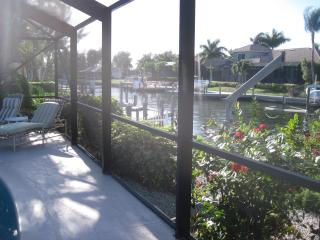 Spacious waterfront home near Tigertail/Esplanade, Marco Island