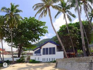 Absolute ocean front villa with a breathtaking view, Patong