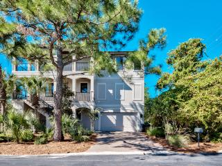 Gorgeous 3-Story Luxury Home - Steps to Beach!, Santa Rosa Beach