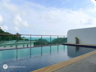 Luxury sea view penthouse with a pool, Kamala