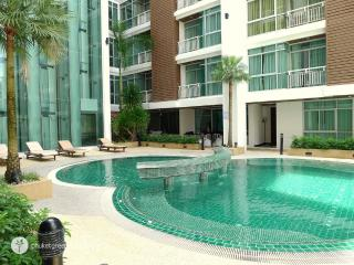 Comfy apartment close to night life at Patong