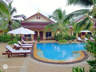 Tropical 1-bedroom house in green resort, Rawai