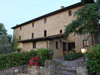 Villa Cavagnetti, Montone