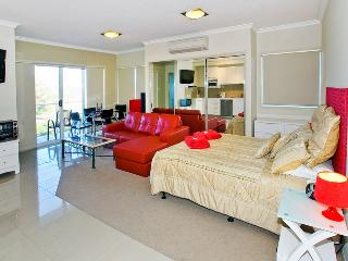 Suttons Beach Apartments  Unit 10a, Redcliffe